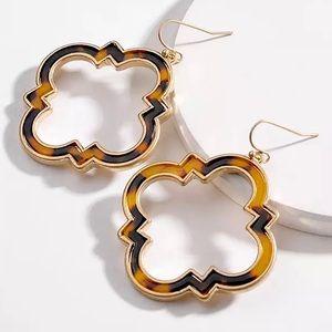 2/$35 🖤 Gold Tortoise Dangle Earrings D43